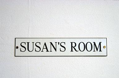 susan pui san lok, Susan's Room, 2000 (installation detail)